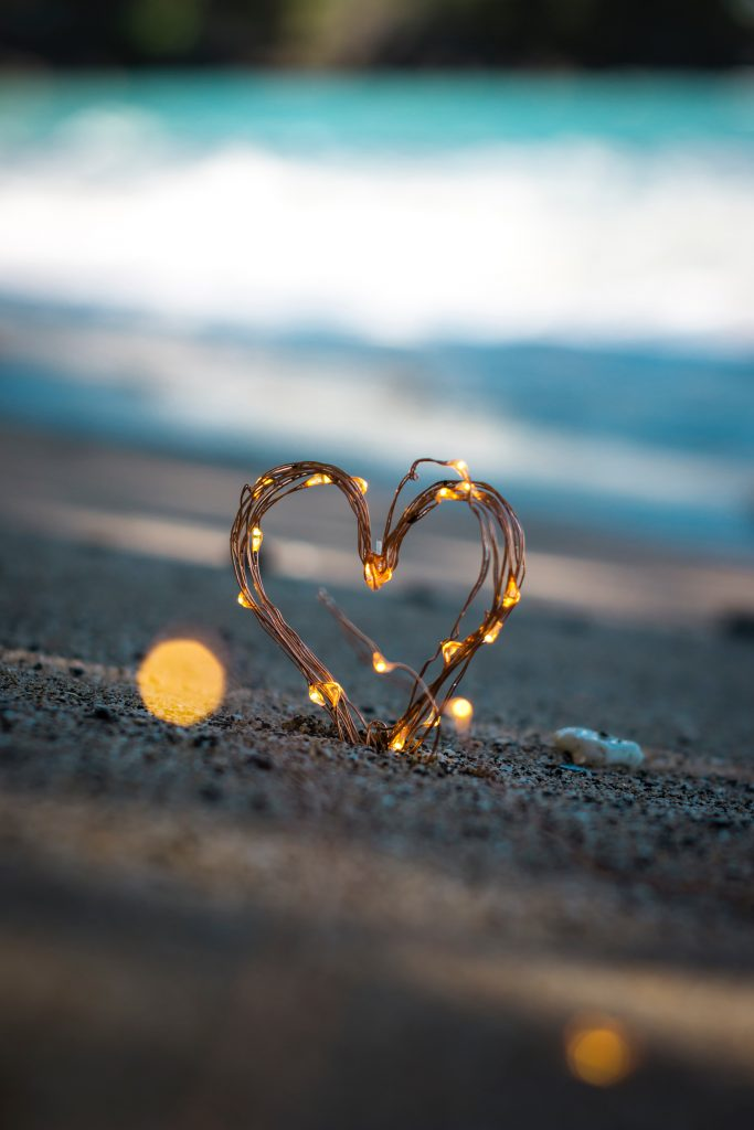 La puissance de l'Amour est infinie, saupoudrez-en où vous pouvez